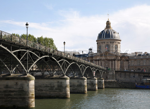 Paris - Pont des Arts and  Instutut de France