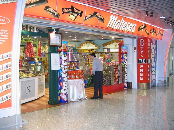 Best Airports for Shopping - Hong Kong airport
