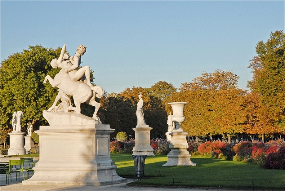 7 scenic locations for picnicking the travelers zone for Jardin jardin tuileries