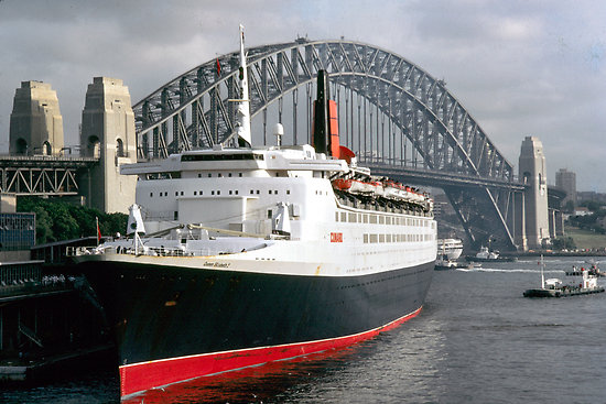 QE2 Luxury Liner