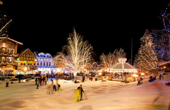 Best places to enjoy christmas in us the travelers zone for Places to visit in the us during christmas