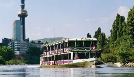Boat-trips-on-the-Danube