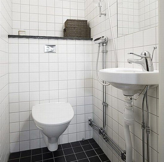 toilet etiquette to follow while travelling