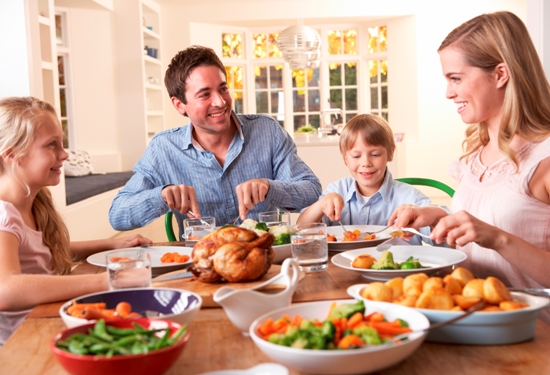 ways to avoid food poisoning when travelling