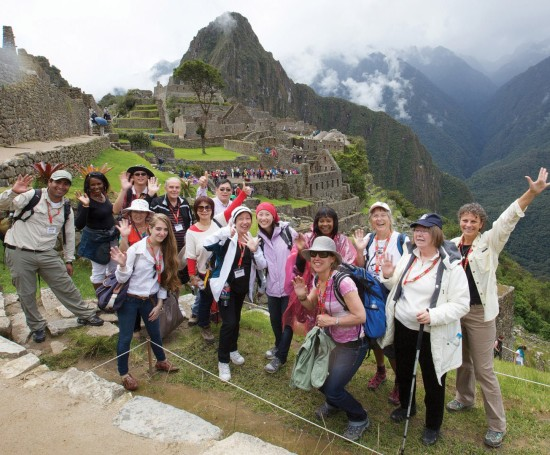 tips to follow when travelling in a large group