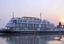 8 Beautiful Cruise Destinations in India