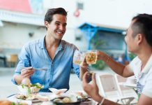 Reasons to Not Eat From Famous Tourist Restaurants